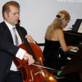 Musikk ved Sebastian Dröfler på cello og Alina Letiagina på klaver.