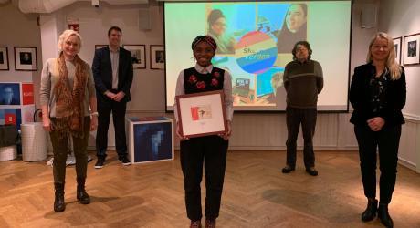 Deborah Mukendi tok imot Laksovprisen 2020 på vegne av Skeiv Verden Vest